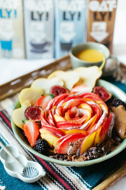 Chocolate Quinoa Porridge with fruits