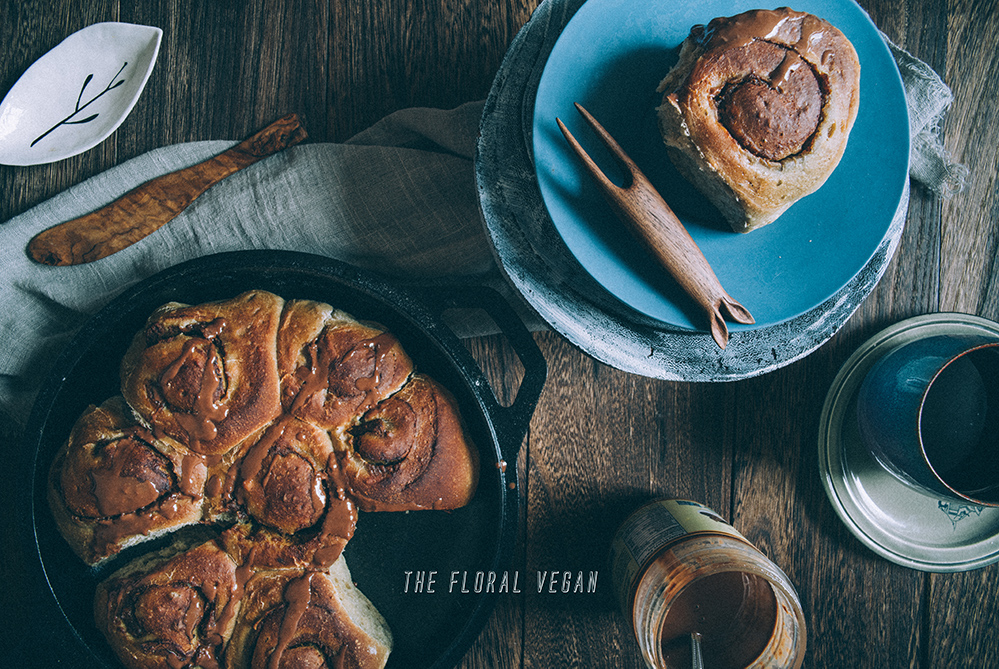 Vegan sourdough cinnamon rolls