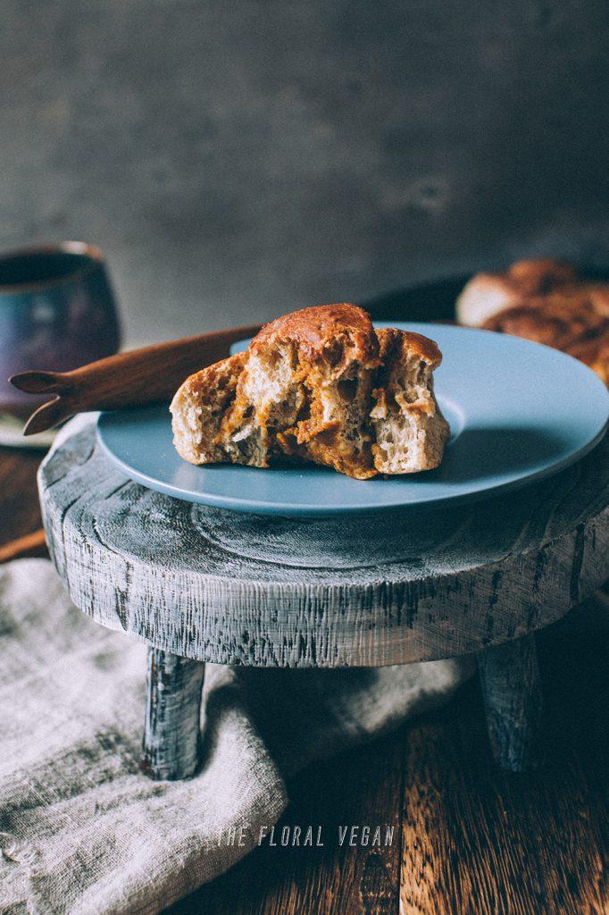 Vegan sourdough cinnamon rolls