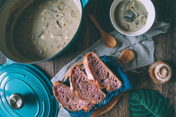 Vegan cream of mushroom soup with sourdough