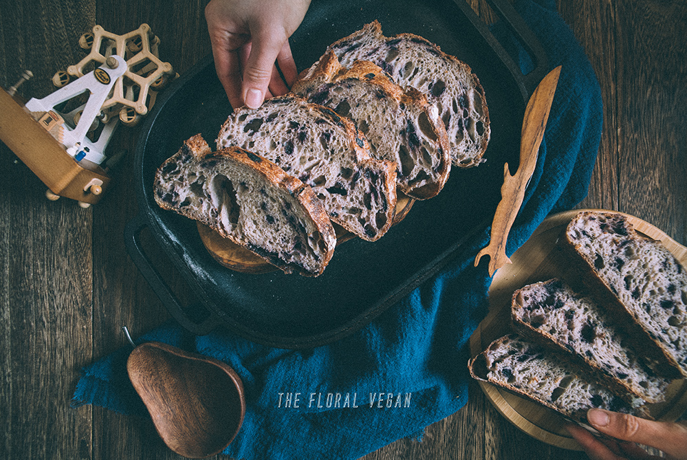 Blueberry sourdough featured image