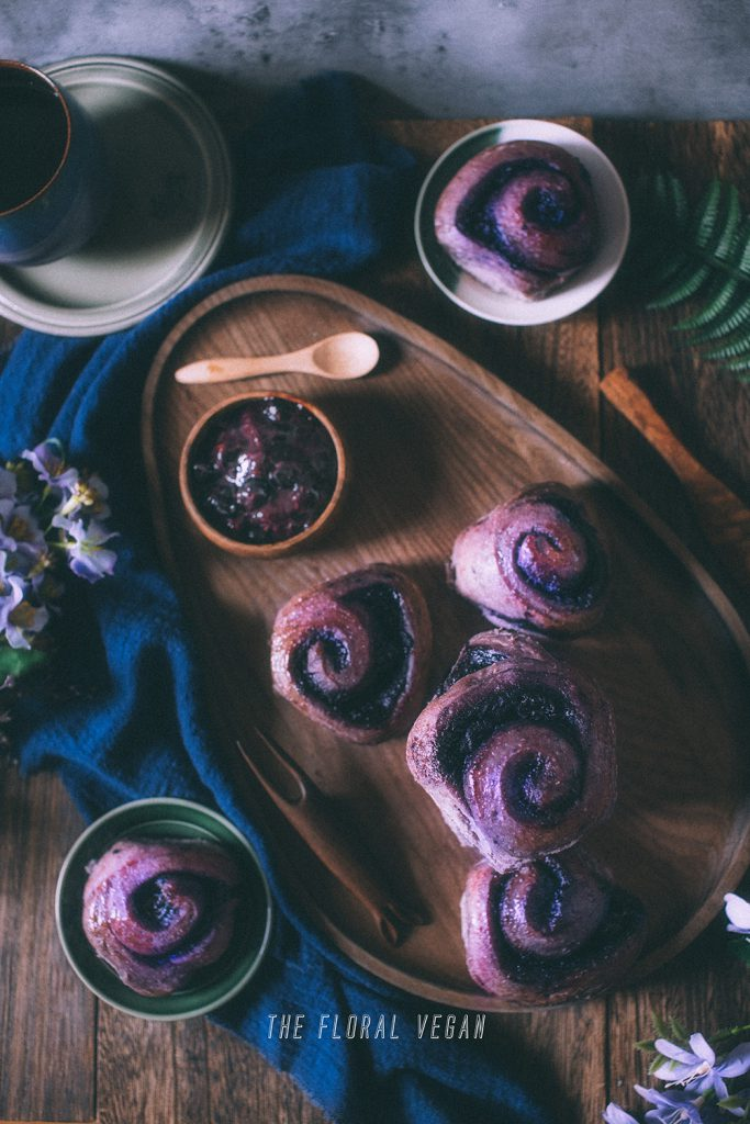 sourdough blueberry rolls